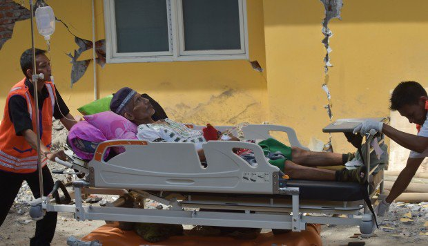 Rescuers search for quake survivors in Indonesia's Lombok as death toll hits 91