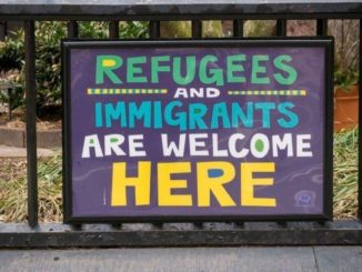 Selle: 'Neighborly' yard placards aid immigrants' welcome