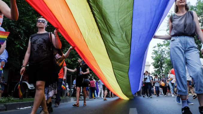 Lithuanian Constitutional Court rules same-sex spouses be granted residence permits