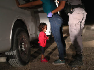 Crying Girl on the Border wins World Press Photo Contest