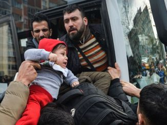 Turkey Briefly Opens Border Crossings Into Europe for Refugees